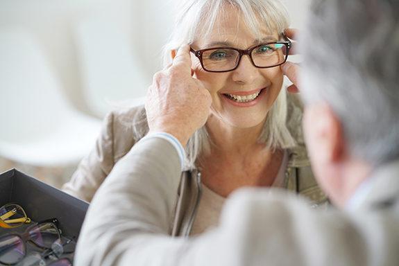 Optik Högl - Brillen für Senioren