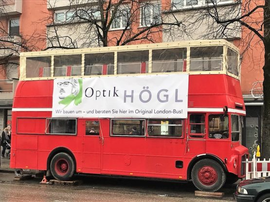 Original London-Bus. Der Brillen Bus von Optik Högl
