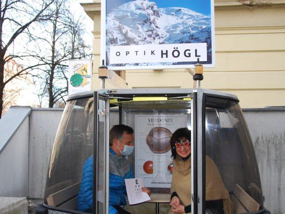 Brillen-Beratung in Tiroler Skigondel